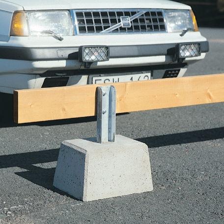 Trafiksäkerhet - Parkeringsräcke fristående med betongfot